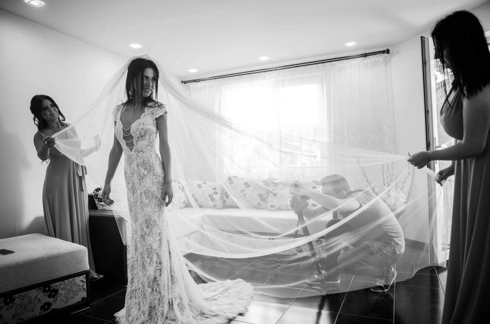 Colaborarea dintre un fotograf si videograf de nunta